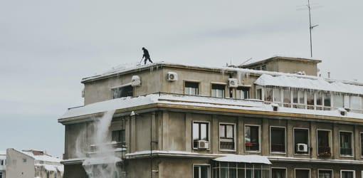 déneigement de toitures plates